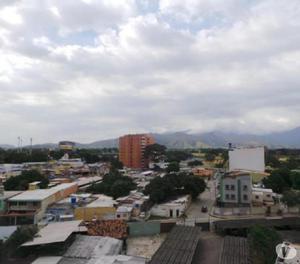En la Redoma Facultad Maracay apartamento en venta