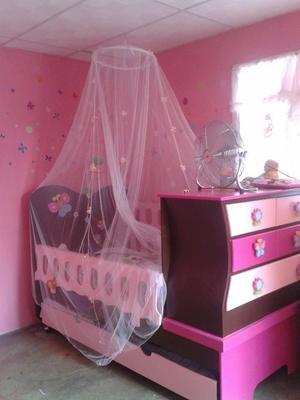 Juego de cuarto para niña cama cuna