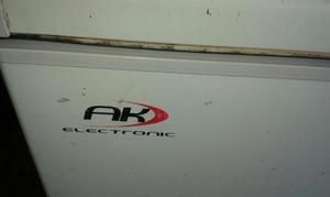 Refrigerador Congelador capacidad 300Mltrs.