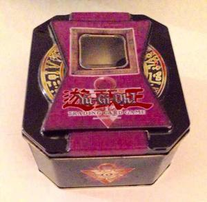 Yu Gi Oh Con Caja Meralica, Cartas Y Forros
