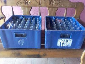 Vacío Caja Polar Con Botellas En Perfecto Estado