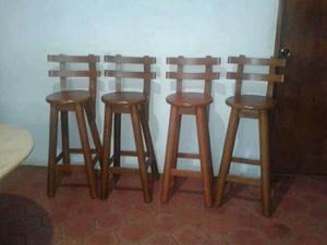 Bar de madera en madera caoba con 2 sillas posot class for Sillas de madera para bar