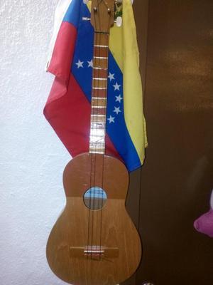 Cuatro Venezolano Hecho en Barquisimeto Edo. Lara