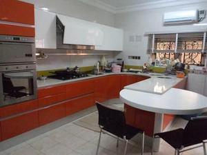 Carpinteria Maderk C.a Fabrica Cocinas Empotradas Y Closets