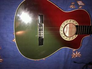 Guitarra acustica usada.