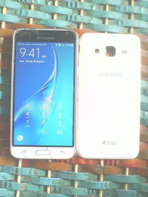 Samsung Galaxy J3 Dúos.