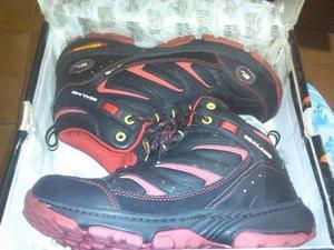Vendo botines o botas SL originales talla