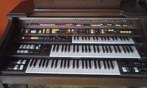 Organo Yamaha Modelo D-85
