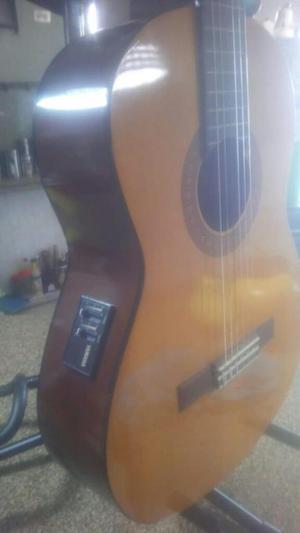 Guitarra Electroacustica Yamaha