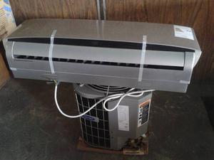 Sistema De Aire Acondicionado Tipo Split De  B.t.u.