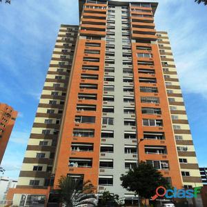 Espectacular Apartamento Amoblado en Las Chimeneas.