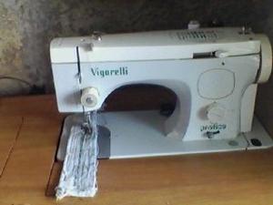 Maquina De Coser Vigorelli