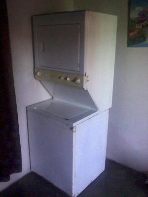 Lavadora y secadora Morocha.