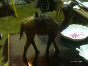 Escultura Antigua En Madera El Camello Buena Talla Buen Esta