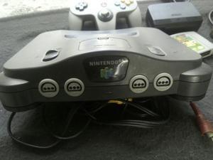 Nintendo 64 Con 2 Controles Y Un Juego