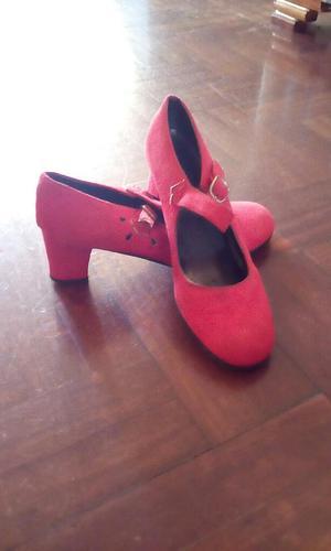 Zapatos de Flamenco Rojos