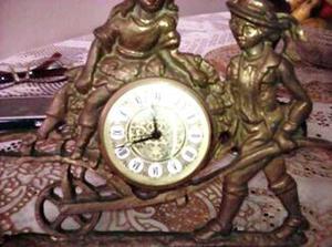 Reloj Decorativo Antiguo De Mesa En Bronce