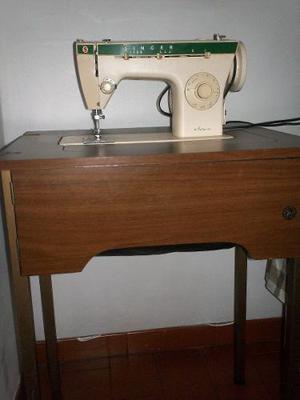 Maquina De Coser Singer Modelo 263 Con Su Mesa