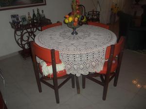 Juego de comedor redondo sencillo posot class for Comedor redondo de madera