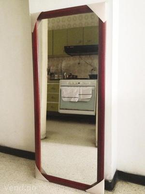Espejo con marco de hierro posot class for Espejos con marco de madera