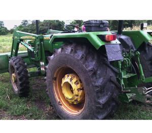 Tractor John Deere con Pala.