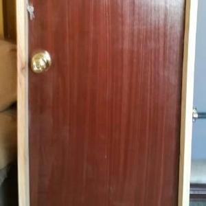 Vendo puertas de madera al mayor y al detal en Maracaibo,