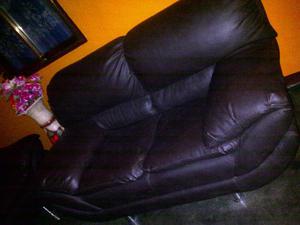 venta juego de muebles con banquito y la mesita negociables