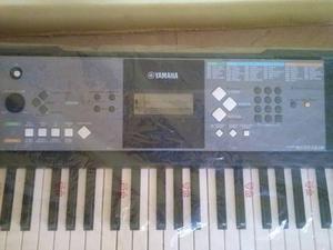 Organo Yamaha Psr-e233.