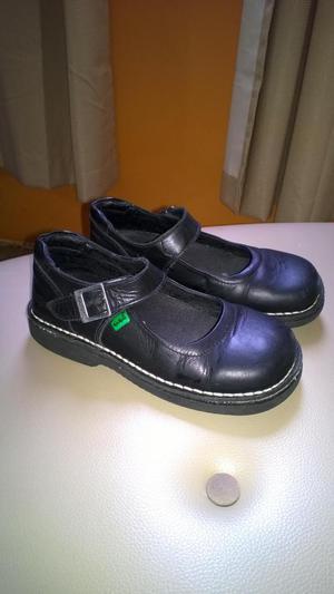 Zapatos Escolares Kikers Para Niñas, Usados
