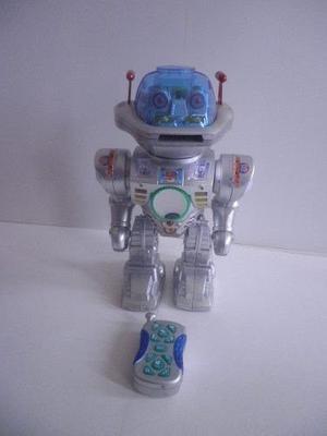 Robot Megasonico Interactua (habla,baila,canta,lanza Discos)