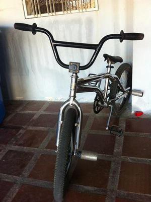 Cambio o vendo bicicleta Bmx rin 20
