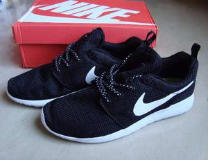 Zapatos Deportivos Nike Roshe Run Para Caballeros