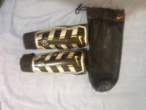 Canilleras Originales Nike Talla M