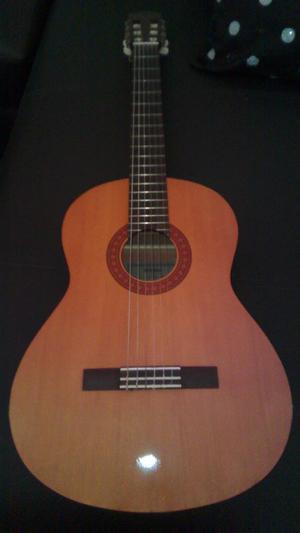 Guitarra Acustica Marca Yamaha.