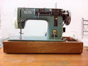 Máquina De Coser Alfa  / Antigüedad