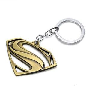 Superman Llavero En Metal Coleccionable