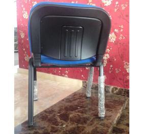 se venden sillas de oficina para visitante de varios colores