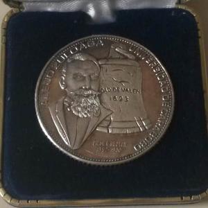 Medalla Centenaria De La Universidad De Carabobo