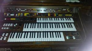 Organo Yamaha Electron - Modelo D-85 - Tres Teclados