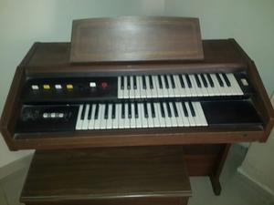 Organo Yamaha Modelo B-2r