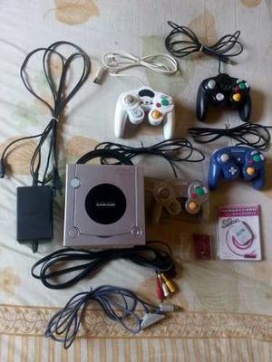 Game Cube Silver + 4 Controles + 5 Juegos + Accesorios