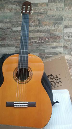 Vendo Guitarra Acustica Yamaha C40