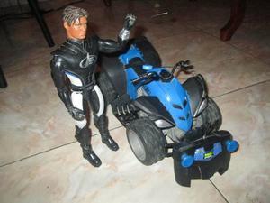 Muñeco Max Steel Con Moto A Control Remoto Usado