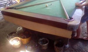 Mesa De Pool Usada Con Juego De Bolas De Pool Usadas...