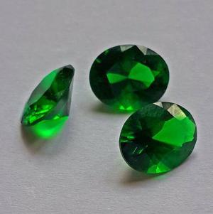Piedra 10x8 Facetada Verde Esmeralda Sintetica Para Anillo