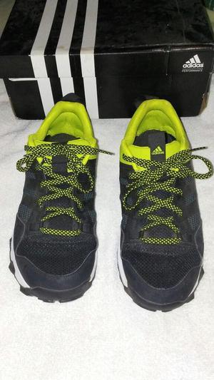 Vendo Zapatos Adidas Originales