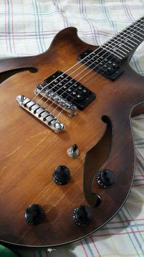Guitarra Ibanez Am 73 B Semi Hollow Cambio