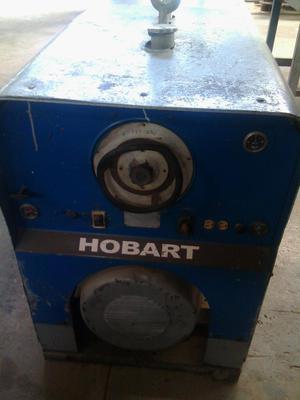 Maquina a Gasoil Hobart de 400 Amp
