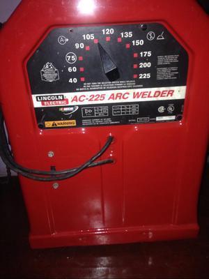 Maquina de Soldar Linconl Tipo Capilla