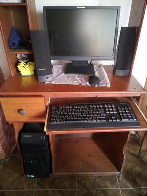 Computadora de Escritorio Lenovo